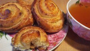 Слоёные булочки с сахаром в духовке