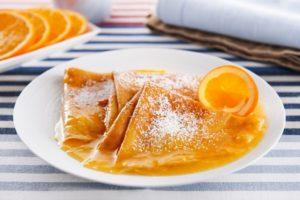 Тонкие блины с апельсинами