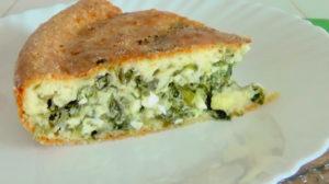 Быстрый пирог с луком и яйцом