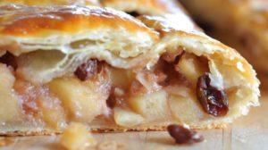 Дрожжевой пирог с яблоками в духовке – «Штрудель» из картофельного теста