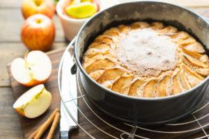 Пирог с яблоками - подготовка продуктов
