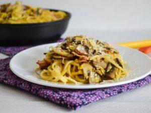 Спагетти карбонара с грибами
