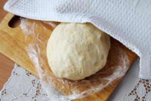 Дрожжевое пирожковое тесто