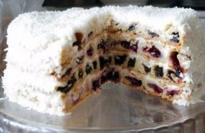 Торт из пряников – «Вишня в снегу»