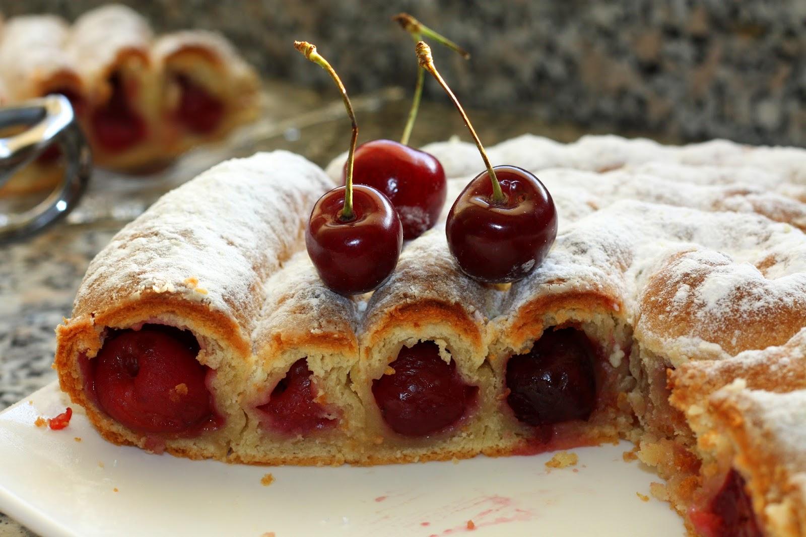 Пирог с вишней картинка